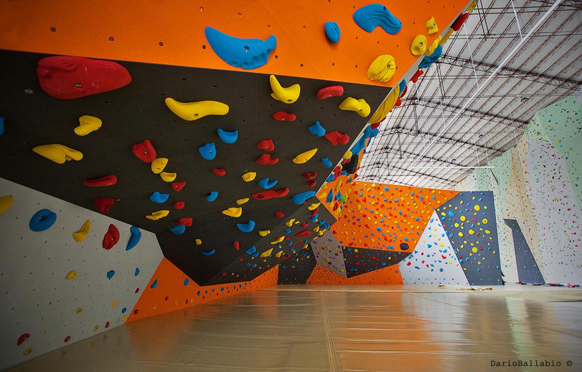 urban wall milano climbing factory boulder rockspot nordovest