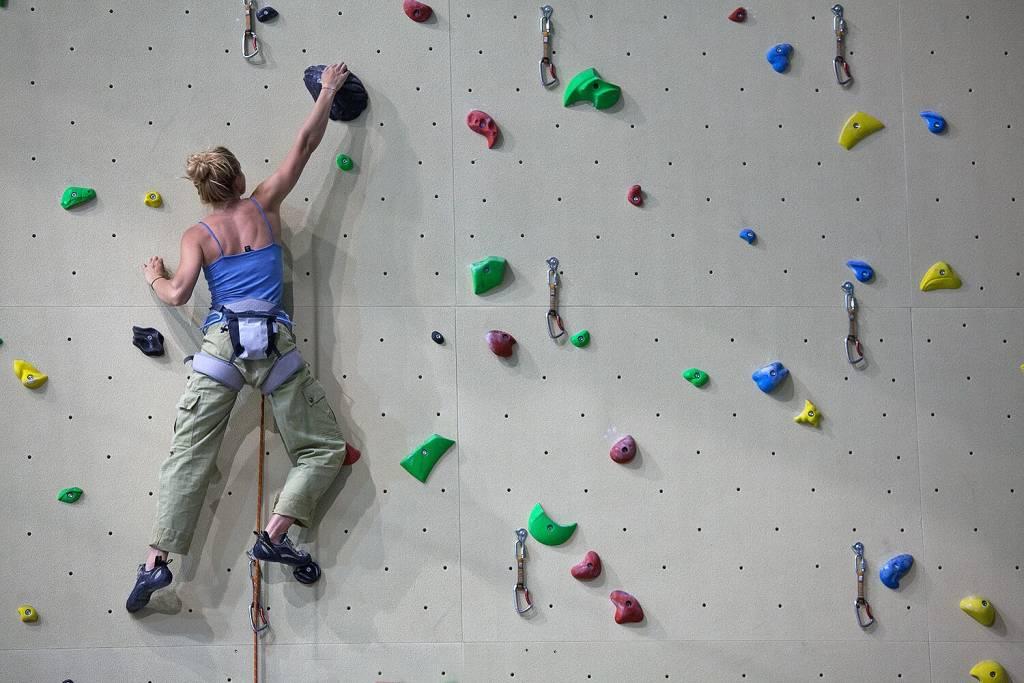 urban wall milano climbing factory corso intermedio arrampicata indoor rockspot nordovest