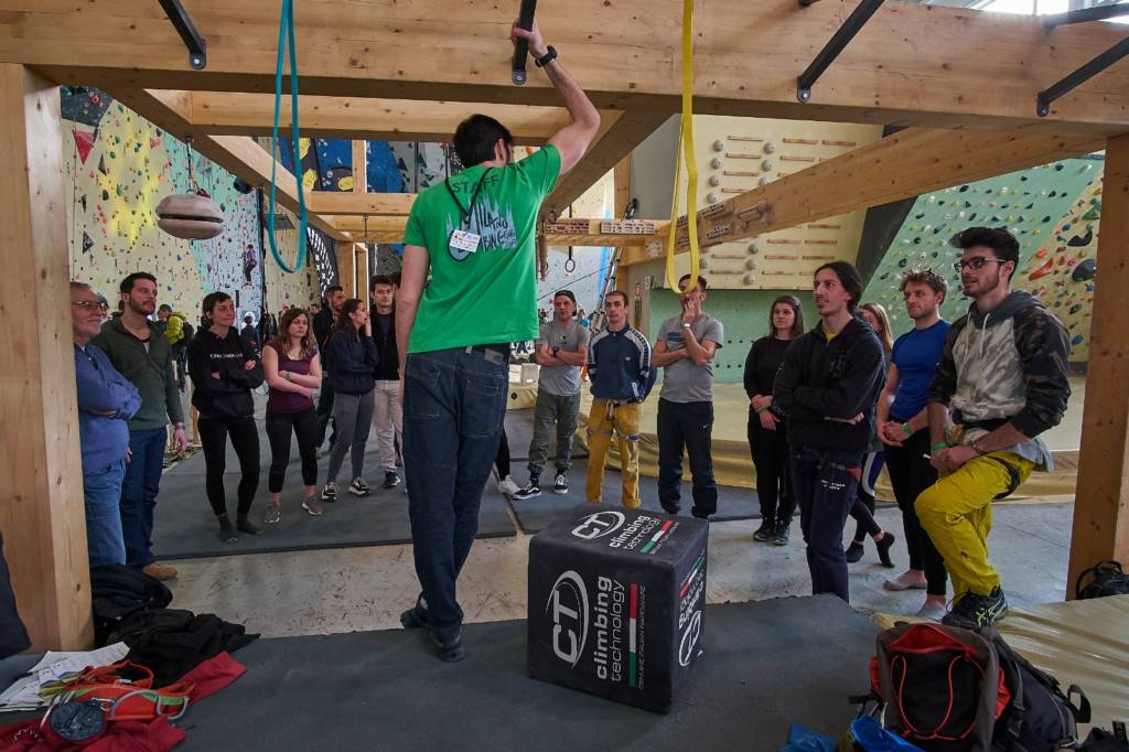 corso functional training urban wall milano climbing factory palestra arrampicata